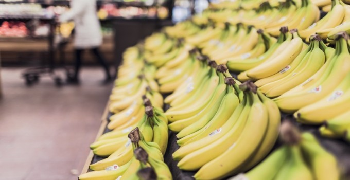 How Many Calories are in Bananas (Fats, Carbohydrates, Proteins, Vitamins, Minerals, Fiber, Water, and Sugar)