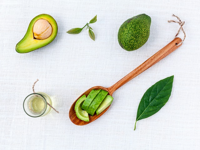 More than 21 Avocado Oil Uses: Recipes, Cooking, Salad Dressings, Drizzle, For Your Skin & Body