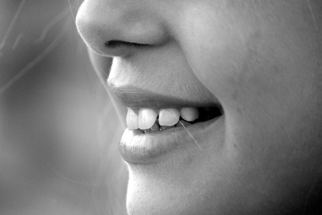 Eating Too Many Dates Can Cause Tooth Decay