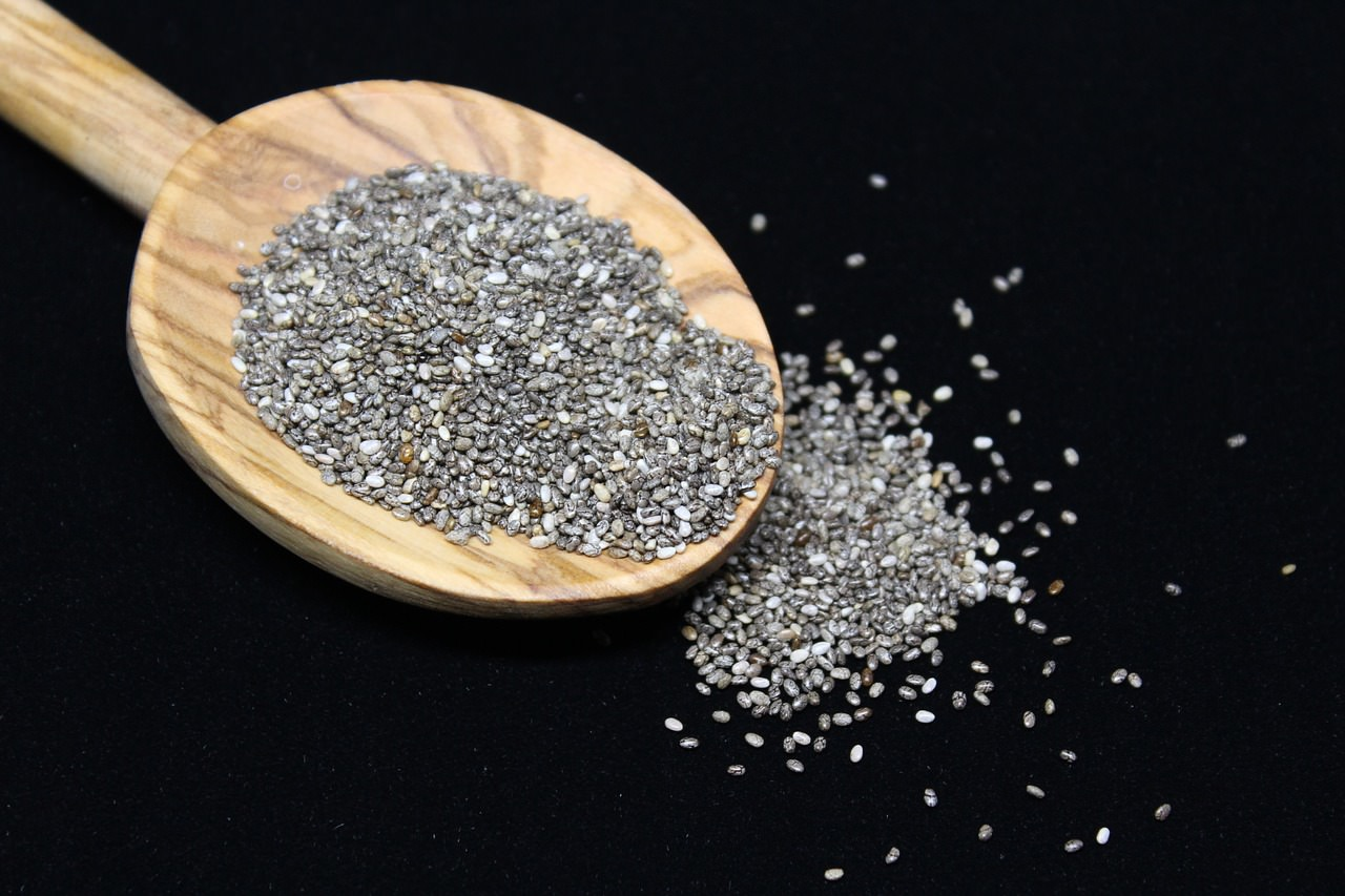 13 Health Benefits of Eating Chia Seeds & Its Side Effects