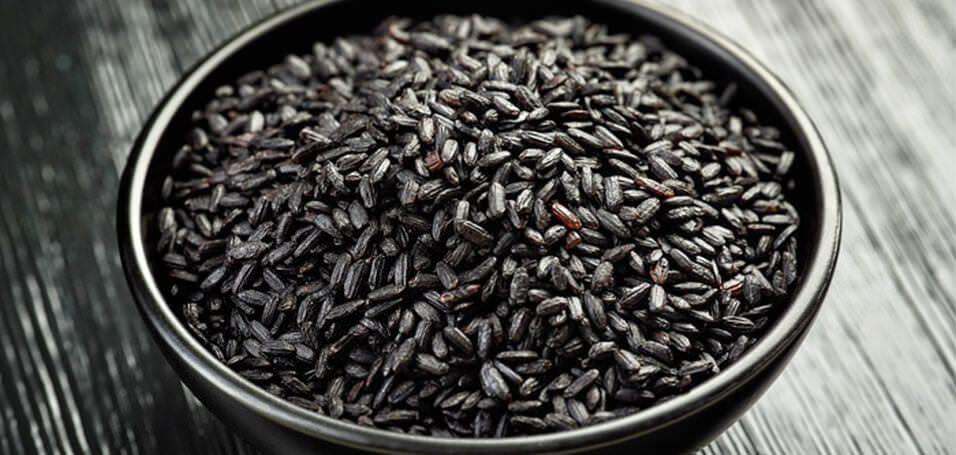 "10 Health Benefits of Eating the ""Forbidden"" Black Rice"